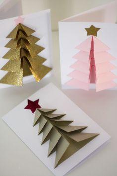 Vill du imponera på de du ska skicka j. Diy 3d Christmas Tree, Christmas Card Crafts, Christmas Origami, Homemade Christmas Cards, Handmade Christmas Decorations, Noel Christmas, Christmas Photo Cards, Christmas Ornaments, Homemade Cards