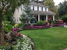 Comet Crest Cottage and gardens have Wow Factor! - Cleveland bungalow rental