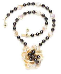 Download free project!  Pearl flower necklace  Keshi pearls as rose petals  by Barbara J. Cohan-Saavedra