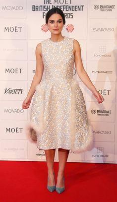Keira Knightley nos robó el corazón cuando protagonizó el anuncio de Chanel en 2014. Si pensabamos que era uno de sus momentos más 'chic', no deja de sorprendernos semana a semana sobre la alfombra roja, ya sea en Los Angeles, en Nueva York o en Londres.
