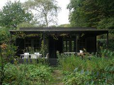 achterkant zomerhuis met veranda