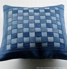 50 cushion covers made of jeans -DIY cushion covers made from recycled materials - 50 cushion covers made of jeans -DIY cushion covers made from recycled materials (Diy Pillows Desig - Diy Cushion Covers, Decorative Pillow Covers, Diy Jeans, Diy Pillows, Cushions, Pillow Ideas, Artisanats Denim, Jean Diy, Denim Scraps