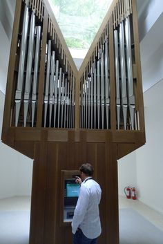 Allora & Calzadilla's 'The Pipe-Organ ATM' - the most frequently used ATM in Italy