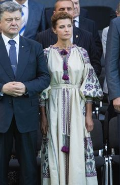 Жена президента Украины Марина Порошенко поразила вышиванкой (фото)