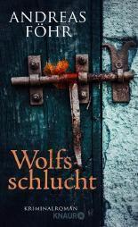 """In """"Wolfsschlucht"""" ermittelt Kommissar Wallner in mysteriösen Mordfällen am Tegernsee und der Mangfall. Autor Andreas Föhr schafft es nicht nur, die Spannung bis zum Schluss hochzuhalten, sondern auch mit viel Witz ur-bayrische Traditionen aufs Korn zu nehmen."""