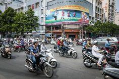 Brommers in Saigon (Vietnam)