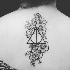 Harry Potter Tattoos Inspired by 'Fantastic Beasts' CafeMom Hp Tattoo, Piercing Tattoo, Get A Tattoo, Tattoo Quotes, Samoan Tattoo, Polynesian Tattoos, Hogwarts Tattoo, Trendy Tattoos, Small Tattoos