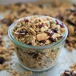 I've never been a cereal person, but granola, on the other hand, is something I could eat all day. There are three main reasons why granola is one of my absolute f… Healthy Snacks, Healthy Recipes, Queso Fresco, Sliced Almonds, Dried Cranberries, Superfood, Oatmeal, Food And Drink, Cooking Recipes