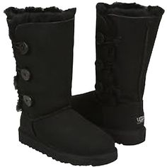 Pre-owned Ugg Australia Bailey Triple Button New In Box Black Boots ($204) ❤ liked on Polyvore featuring shoes, boots, black, ugg® australia shoes, cuff boots, black cuff boots, cuffed boots and black shoes