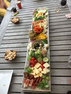 Party Food Buffet, Party Food Platters, Healthy Cooking, Healthy Snacks, Healthy Recipes, Snack Recipes, Charcuterie Recipes, Tea Snacks, Fingerfood Party