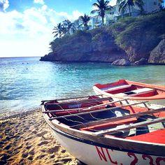 Get lost in Playa Lagun!   Photo by @takeofabio