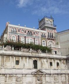 Palacete Chafariz Del Rei Lisboa This elegant hotel was once a 19th-century aristocratic family home. Located in Lisbon's historic centre, it features stained-glass windows and antique furniture, and a terrace overlooking the Tagus River.
