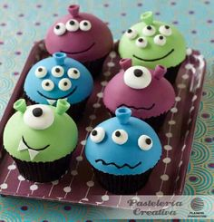 The Cake Parlour offers a variety of cupcakes from delicious and rustic buttercream swirl toppings to smooth fondant coverings with intricate decorations. Alien Cupcakes, Alien Cake, Monster Cupcakes, Cupcake Toppers, Cupcake Cakes, Cupcake Ideas, Cup Cakes, Cake Stall, London Cake