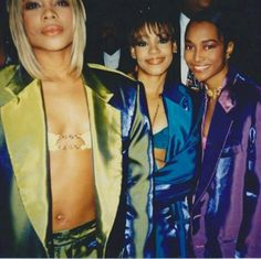 Cathy would listen to TLC because they have anthems about being a strong female and not fitting in to society's norm as a woman Hip Hop Fashion, 90s Fashion, Fashion History, Girl Fashion, Lisa Left Eye, Toni Braxton, 90s Hip Hop, Looks Street Style, Musica