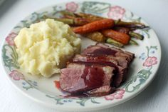 <b>A budget-friendly, step-by-step plan for a special meal with classic mashed potatoes and roasted carrots.</b>