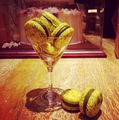 Who could say no to a cocktail full of macarons?