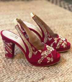 Where To Shop Wedding Shoes In India? Looking to Shop Wedding Shoes in India? Want designer footwear, but don't know the prices? Check out 5 amazing wedding footwear brands India in this post. Red Bridal Shoes, Designer Wedding Shoes, Wedding Shoes Bride, Bridal Sandals, Wedding Shoes Heels, Sandals Wedding, Wedding Dress, Post Wedding, Wedding Ring