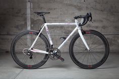 Pegoretti Responsorium Ciavete with Campagnolo 80th Anniversary groupset and wheels