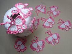 Knitting little butterfly kryuchkom. Crochet Fish, Crochet Butterfly, Freeform Crochet, Crochet Chart, Crochet For Kids, Crochet Flowers, Crochet Lace, Crochet Stitches, Free Crochet