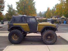 Green bronco, so sick! Old Bronco, Bronco Truck, Early Bronco, Jeep Truck, Classic Bronco, Classic Ford Broncos, Classic Trucks, Broncos Pictures, Bug Out Vehicle