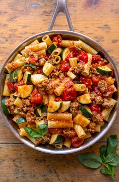 Rigatoni with Sausage, Tomatoes, and Zucchini is a quick and easy dinner everyone will love! Calling all pasta lovers! This hearty Rigatoni with Sausage, Tomatoes, and Zucchini is for you! It's so flavorful and easy enough to make on a weeknight! Healthy Food Recipes, Easy Pasta Recipes, Healthy Dinner Recipes, Easy Meals, Cooking Recipes, Chicken Recipes, Zucchini Dinner Recipes, Recipe Pasta, Zucchini Recipes With Tomato Sauce