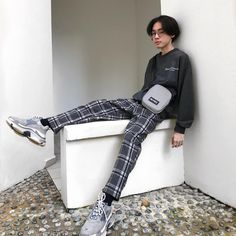 Adorable Mens Pants Style - Outfits Styler - Men's style, accessories, mens fashion trends 2020 Fashion Mode, Aesthetic Fashion, 80s Fashion, Aesthetic Clothes, Fashion Pants, Korean Fashion, Fashion Outfits, Fashion Trends, Fashion Ideas