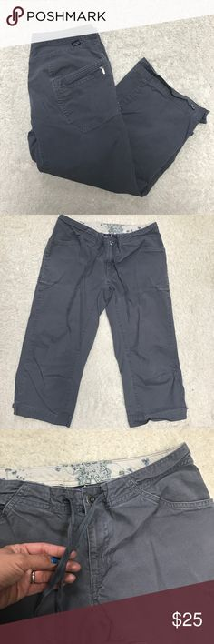 Patagonia Patagonia capris is GUC. Size 6 great pockets & drawstring waist Patagonia Pants