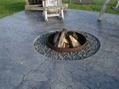 Patio Firepit Idea, as long as there aren't kids, too dangerous
