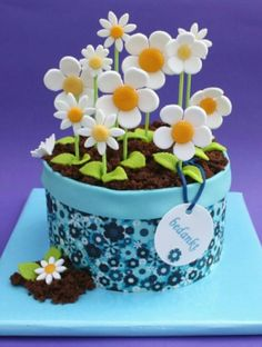Daisies mothers day cake