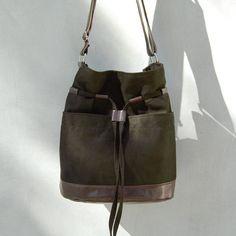 Schoudertassen - YOCCA - zak - donker khaki en bruin - Een uniek product van INCAT op DaWanda