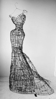 Wire sculpture by Leigh Pennebaker
