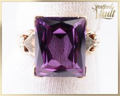 Vintage ~ Ladies Created Alexandrite Ring ~ Yellow Gold ~ Emerald Cut x mm Lab Created ct) Alexandrite ~ by StratfordVault on Etsy Alexandrite Ring, Emerald Cut, Vintage Ladies, Heart Ring, Perfume Bottles, Jewels, Trending Outfits, Create, Lady