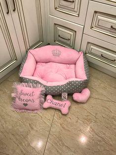 Pink Dog Beds, Princess Dog Bed, Luxury Pet Beds, Personalized Dog Beds, Dog Suit, Designer Dog Beds, Cool Dog Beds, Dog Rooms, Pink Bedding