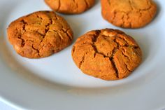 Chocolate and Macadamia Cookies (Paleo)