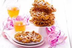 Tippaleipä ja sima kuuluvat vappuun / Tippaleipä, (a kind of crunchy doughnut) is a must on Vappu / May Day. Enjoy it with sima (mead). #Finland #Dessert