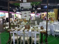 The Wedding Expo Table Top Decor competition entrant March Lanterna Decor. Photography by Nic Huisman Photography.