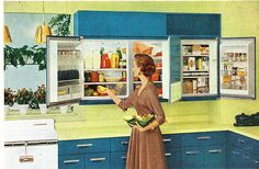 wall-mounted refrigerator 5 Weird Old Home Trends I'd Love to See Make a Comeback Kitchen Retro, Vintage Kitchen, Retro Kitchens, Kitchen Ideas, Vintage Fridge, Kitchen Stuff, Vintage Refrigerator, Kitchen Notes, Awesome Kitchen
