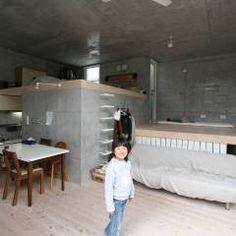 立体一室住居: STUDIO POHが手掛けたtranslation missing: jp.style.リビング.modernリビングです。