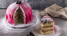 Princess cake by Greek chef Akis Petretzikis. An impressive, super beautiful and delicious Swedish Princess cake that is loved and enjoyed around the world! Traditional Christmas Food, Christmas Dishes, Panna Cotta, Cake Recipes, Cheesecake, Pudding, Sweets, Make It Yourself, Princess