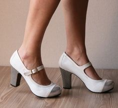 Grey and white spectator Mary Janes ~ LOVE!