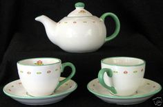 Shiseido Tea Set 5 Pc Teapot 2 Cups Saucers Ceramic Green/White Floral Lovely