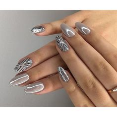 Trendy silver manicure: ideas for brilliant nail art - Nails Art - Design Pretty Nail Designs, Pretty Nail Art, Gel Nail Designs, Beautiful Nail Art, Gorgeous Nails, Nagel Tattoo, Crome Nails, Nagellack Design, Nailed It