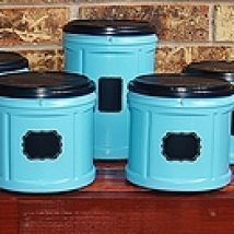 DIY: Fabulous kitchen storage containers from up-cycled plastic Folgers coffee containers.