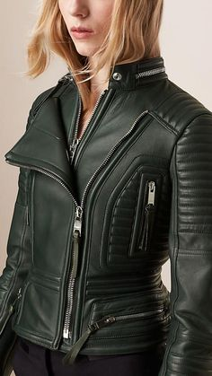 Dark Racing Green Peplum Waist Lambskin Biker Jacket – Image 4 Source by confortautoDe Leder Outfits, Leather Jacket Outfits, Burberry Leather Jacket, Long Leather Coat, Black Leather, Mode Lookbook, Best Leather Jackets, Jacket Images, Leather Fashion