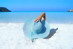 Want to stay fashionable while you soak up the summer sun? Here are the best beach hats to own. Outdoor Tanning, Massage Envy, Pearl City, Snorkel, Cool Instagram, Get Rid Of Blackheads, Need A Vacation, Florida Vacation, Shooting Photo