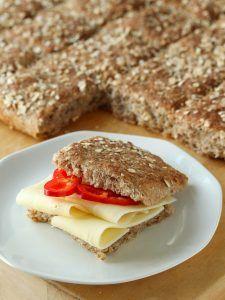 Firkløverkake i langpanne - krem.no Piece Of Bread, Bread Recipes, Sandwiches, Food And Drink, Baking, Style, Brioche, Recipes, Bakken