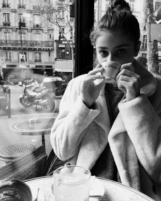 Taylor Hill cafe style