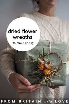 love botanical tales dried flower wreaths and wreath making workshops as well as botanical crafts and DIY craft tutorials with dried and pressed flowers. Book a place at seasonal flower workshops, fol Creative Flower Arrangements, Dried Flower Arrangements, Dried And Pressed Flowers, Dried Flowers, Seasonal Flowers, Fall Flowers, Diy Wreath, Wreath Making, Dried Flower Wreaths