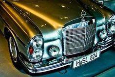 General Mercedes-Benz car old car 300 SEL - Exotic Cars Mercedes Benz Coupe, Mercedes 280, Mercedes Benz Autos, Classic Mercedes, Classic Motors, Classic Cars, Retro Cars, Vintage Cars, Mercedes Benz Wallpaper