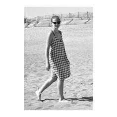 sleeveless dress, light checks